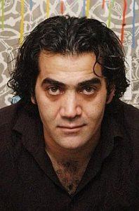 بابک نوری از بازیگران مرد ایرانی بالای 40 سال با پیراهن مشکی