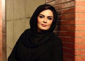 تیپ مشکی سارا خوئینی ها از بازیگران متولد ماه خرداد