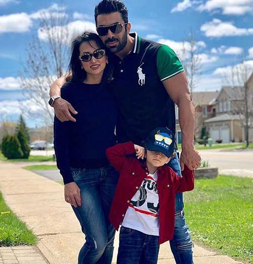 روناک یونسی بی حجاب با همسرش محسن میری و پسرش