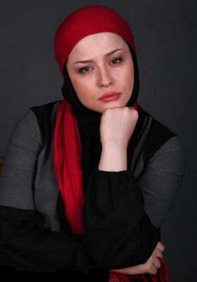 مهراوه شریفی نیا با شال قرمز - مهراوه شریفی نیا طرفدار پرسپولیس