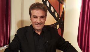 تیپ مشکی جعفر دهقان از بازیگران مرد ایرانی بالای 40 سال