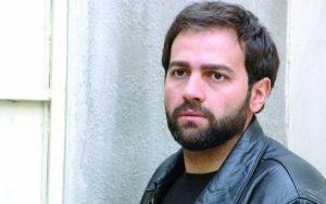 تیپ مشکی آرش مجیدی از بازیگران مرد ایرانی بالای 40 سال