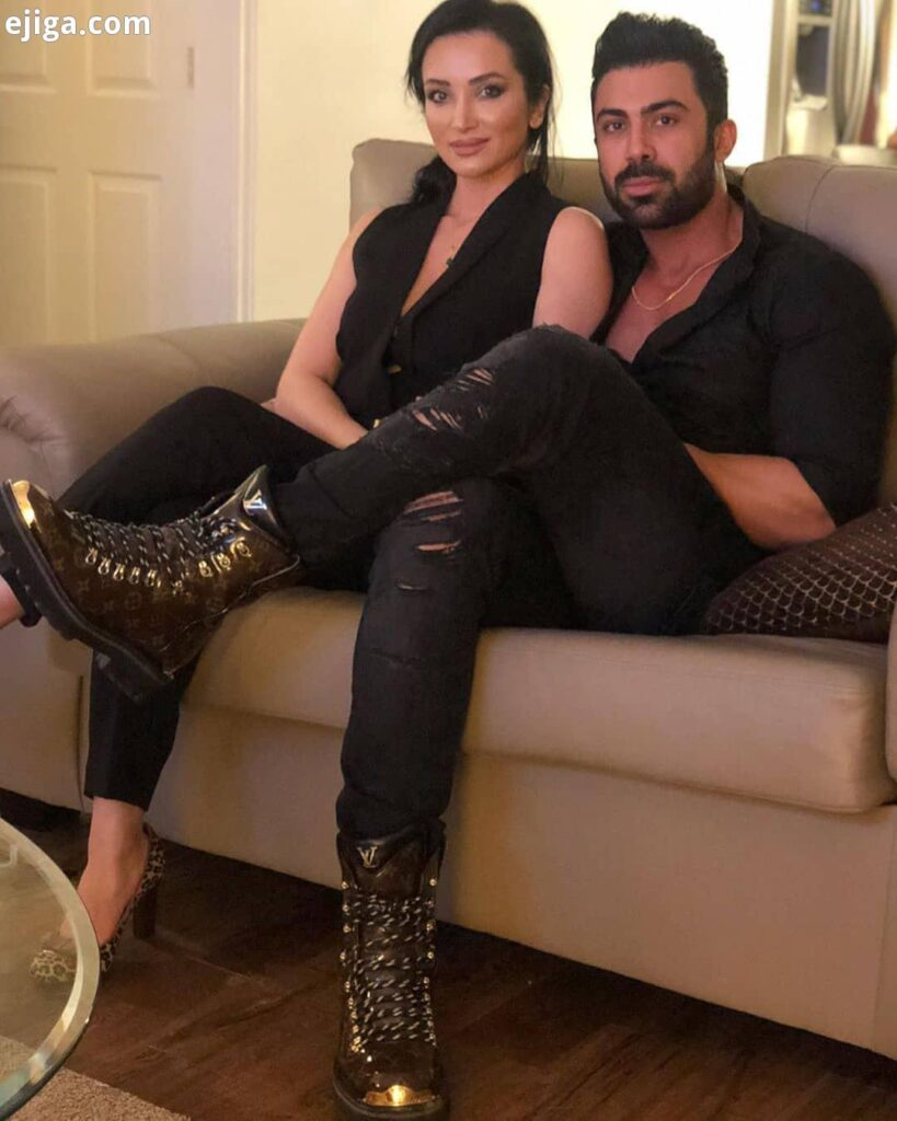 روناک یونسی بی حجاب با همسرش محسن میری با تیپ مشکی