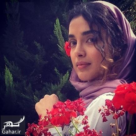 الهه حصاری با شال یاسی و گل قرمز - عکس های بدون آرایش الهه حصاری