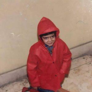 عکس کودکی بهاره رهنما با لباس قرمز