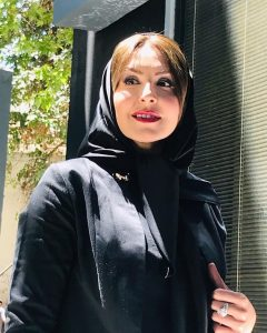 تیپ مشکی آزیتا ترکاشوند از بازیگران متولد ماه خرداد