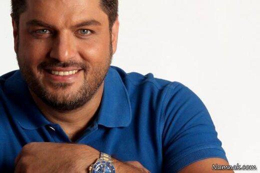 سام درخشانی با تی شرت آبی - رنگ چشمان سام درخشانی
