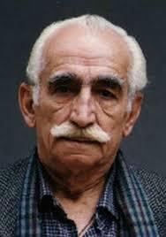 جعفر بزرگی با پیراهن چهارخونه از بازیگران متولد ماه اردیبهشت