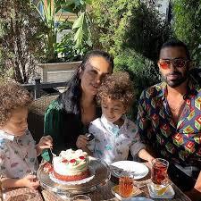 روناک یونسی بی حجاب و همسرش محسن میری و پسرانش