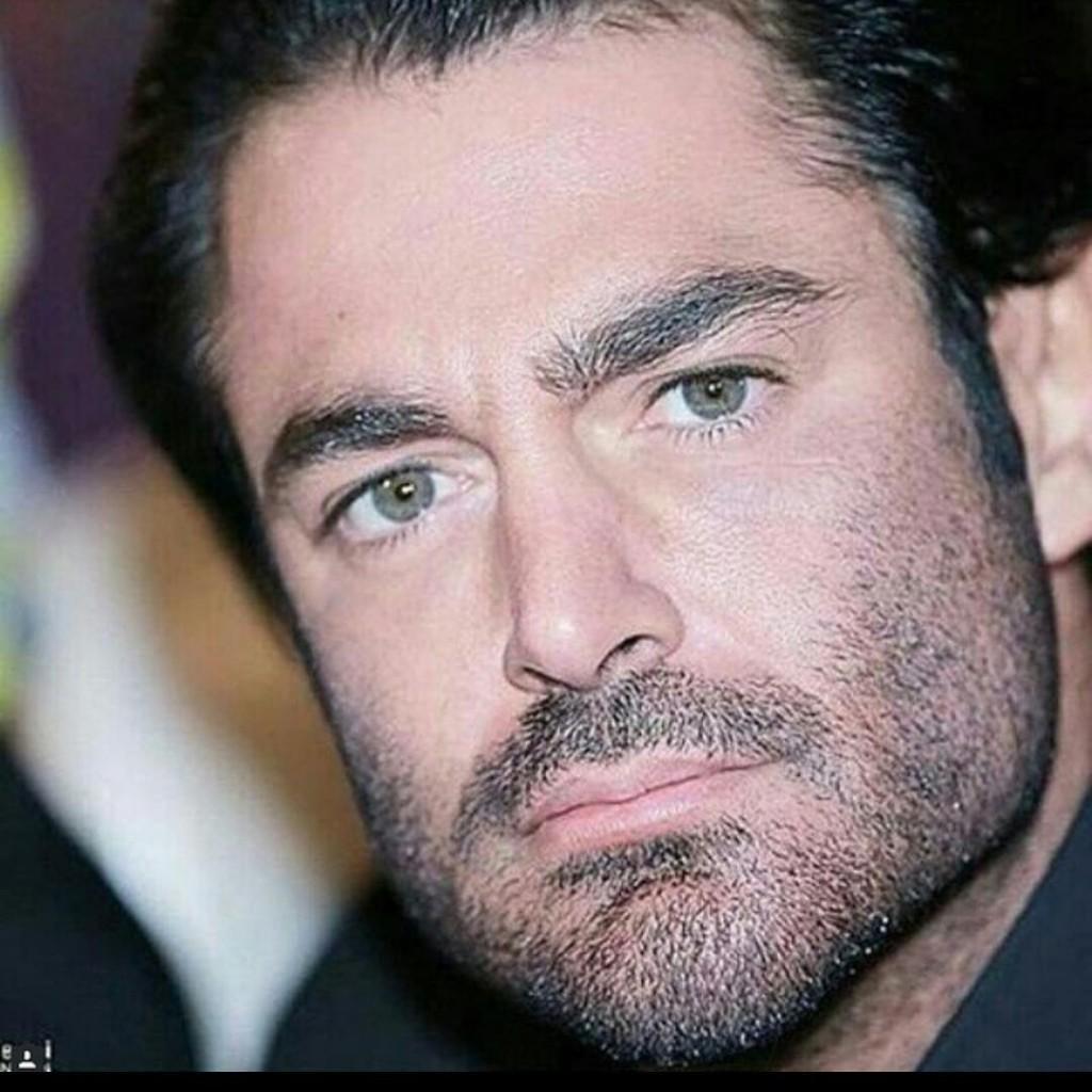 رنگ واقعی چشم محمدرضا گلزار
