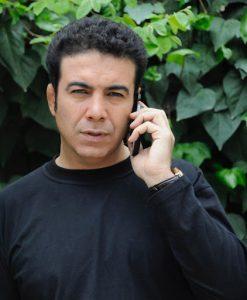تیپ مشکی حسن شکوهی از بازیگران متولد ماه خرداد