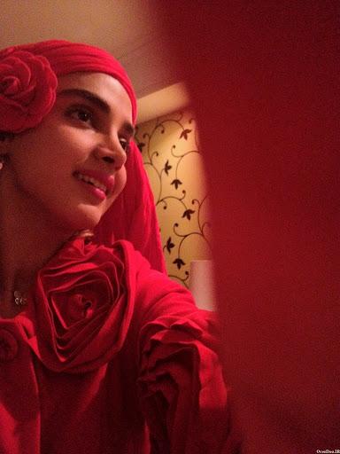 الهه حصاری با لباس قرمز - عکس های بدون آرایش الهه حصاری