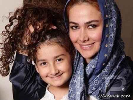 آنا نعمتی با روسری آبی و دخترش رایکا - طلاق ابوالفضل پور عرب