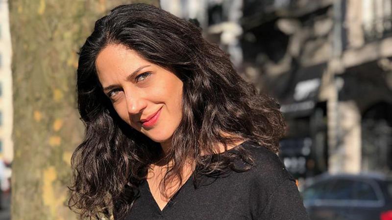 زهرا امیرابراهیمی بی حجاب با لباس مشکی در خیابان