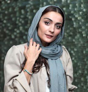 السافیروز آذر از بازیگران زن متولد دهه 60