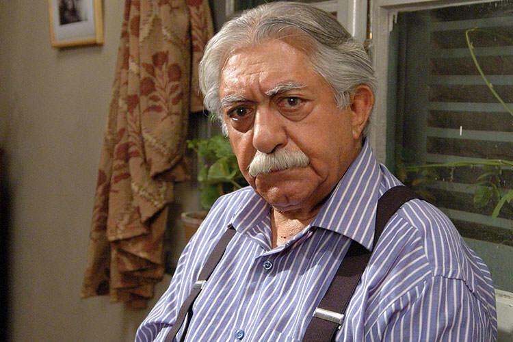 عزت الله انتظامی با پیراهن آبی - شباهت آنتونی کویین و عزت الله انتظامی