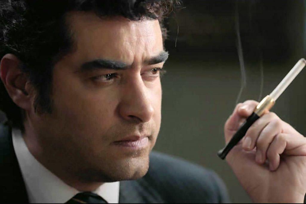 شهاب حسینی با کت و شلوار و سیگار - آهنگ شهاب حسینی