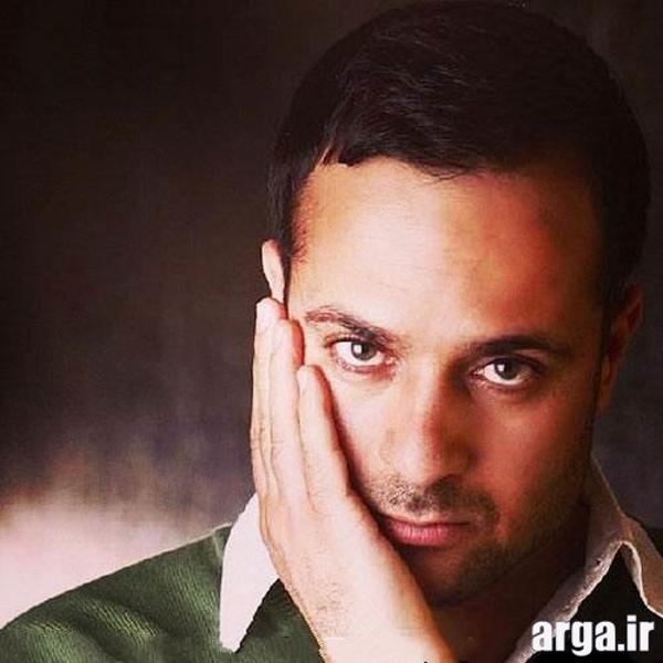 احمد مهرانفر با لباس سبز - چشمان احمد مهرانفر