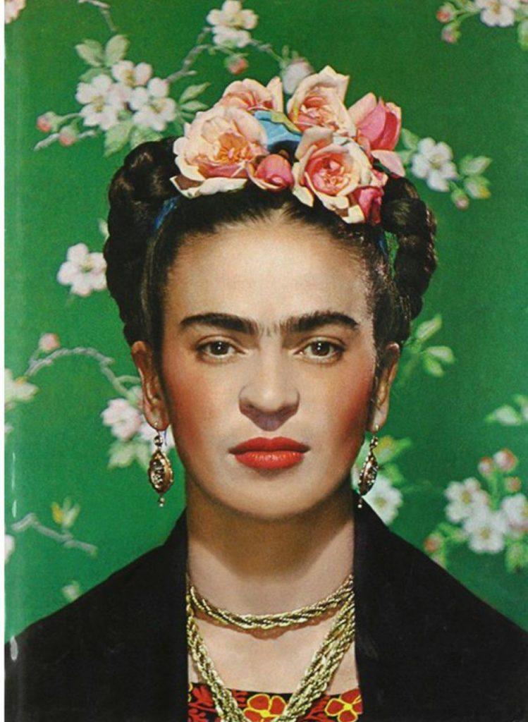فریدا کالو با تاج گلدار - شباهت فریدا و نیکی کریمی