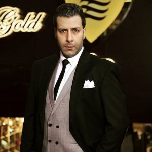 مجید واشقانی از بازیگران مرد ایرانی با کت شلوار
