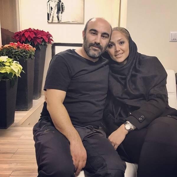 محسن تنابنده چپ دست و همسرش با لباس مشکی