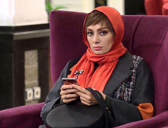 یکتا ناصر با شال قرمز - شباهت یکتا ناصر و سوفیا لورن