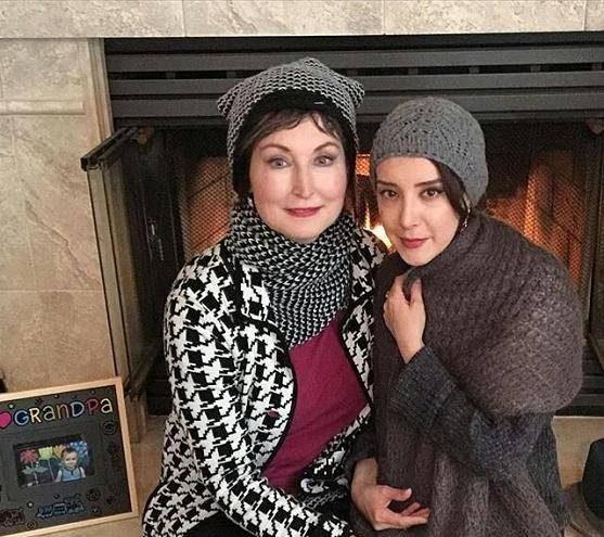 سحر جعفری جوزانی آمریکایی با مادرش