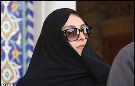 مریلا زارعی با چادر و عینک آفتابی