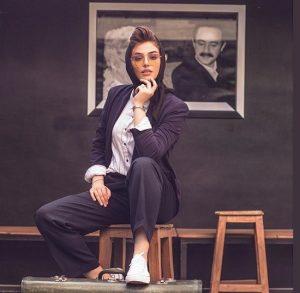 ریحانه پارسا از بازیگران زن ایرانی با عینک دودی
