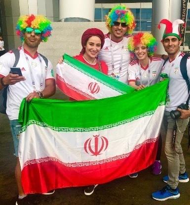 عکس بهاره افشاری در سن پترزبورگ با پرچم ایران