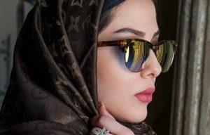 لیلا اوتادی از بازیگران زن ایرانی با عینک دودی