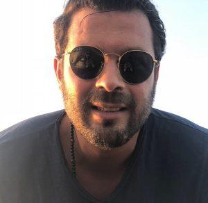 پژمان بازغی از بازیگران مرد ایرانی با عینک