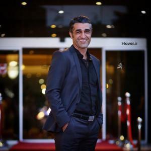 پژمان جمشیدی از بازیگران مرد ایرانی با کت شلوار