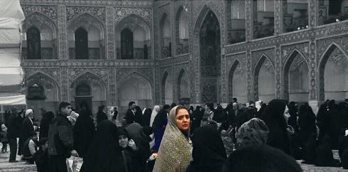 نرگس محمدی با چادر در حرم امام رضا